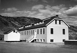 New classroom building of Kamloops Indian Residential School, Kamloops, British Columbia, circa 1950 / Nouveaux locaux scolaires, Pensionnat indien de Kamloops (Colombie-Britannique), vers 1950