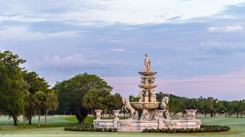morning sky italy usa fountain clouds sunrise canon golf dawn early florence spring florida cloudy miami decorative statues course stunning fairway ornate stallions majestic doral cherubs oldworld lightroom florentine imported puttinggreen bluemonster hole18 100d eosrebelsl1 trumpnationaldoralmiami