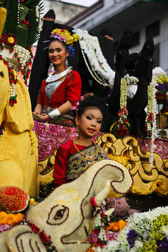 Flower festival - Chiang mai | by hedhoodphoto