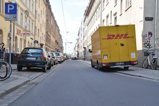 DHL auf dem Gehweg | by adfc.sachsen