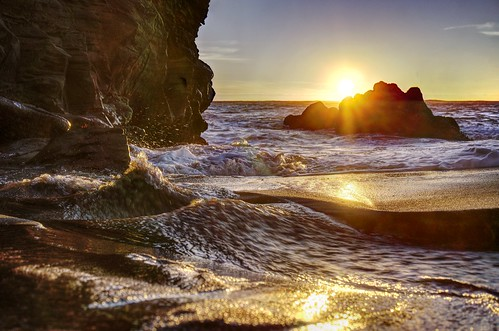 santacruz california pantherbeach rock beach creek outdoor water sun sunset sea coast landscape pacificocean pacific gold golden goldenlight reflection 3xp raw nex6 selp1650 photomatix hdr qualityhdr qualityhdrphotography ocean fav200 seascape waterscape