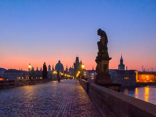 sunrise prague prag tschechien tschechischerepublik czechrepublic sonnenaufgang 2014 karlsbrücke blichb olympusomdem1