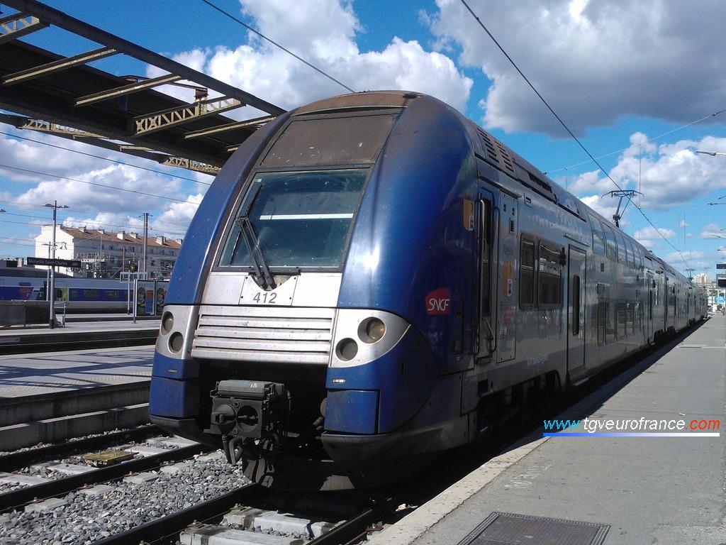 Une rame TER 2N NG Z 26500 de la Région PACA en gare de Marseille Saint-Charles le 28 avril 2014