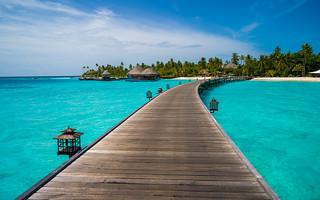 Maldives (Constance Halaveli Resort & Spa)   by Mac Qin