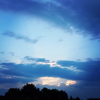 Consolation Prize - No #running for me this Saturday Morning due to an ongoing Ankle issue. This was the sky as I drove to the Y where I ended up swimming. I also tried pool running, which wasn't too bad, just not the same as road running. #shirleyruns | by shirley319