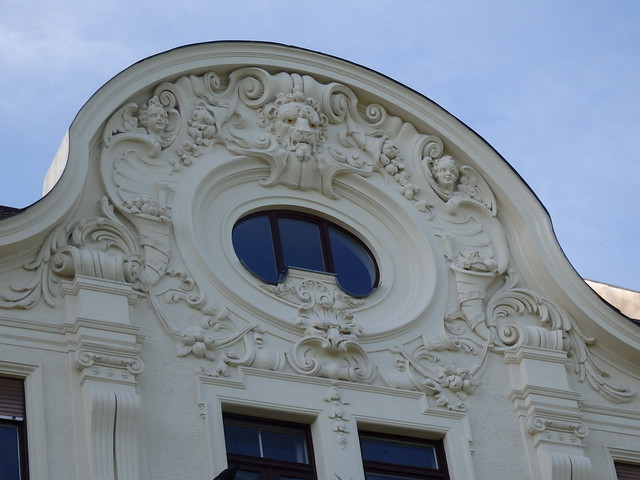 Decorative details, building on Widenmayerstraße