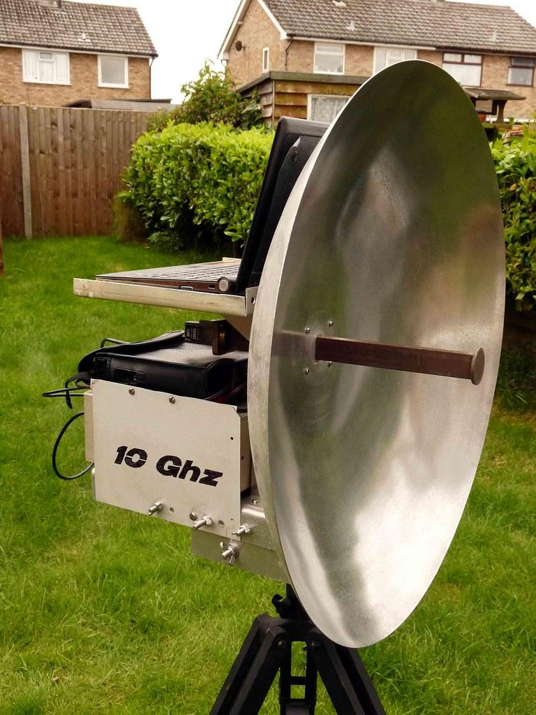 G0PEB KST Mods | G0PEB 10Ghz Transverter, 60cm dish antenna