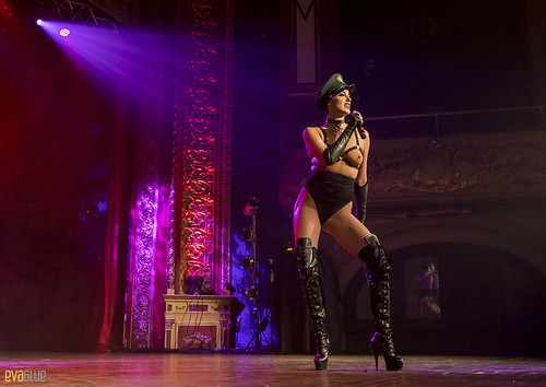 LAURA DESIREE monde ose burlesque ball 10 | by Eva Blue