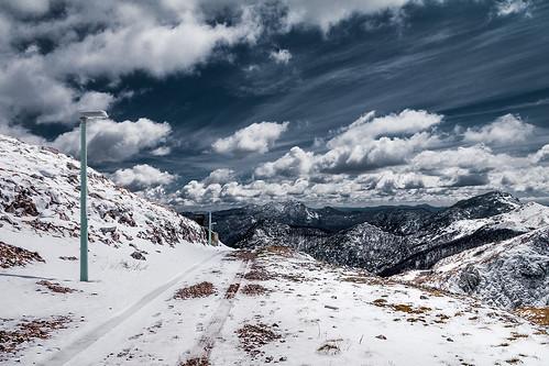 guslica očivinodola begovorazdolje oblaci snijeg gorskikotar snow mountains fores wood zagreb croatia rijeka platak clouds cloudysky fort sky