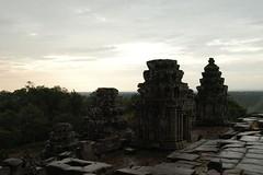 Phnom_Bakheng_2B,_Angkor