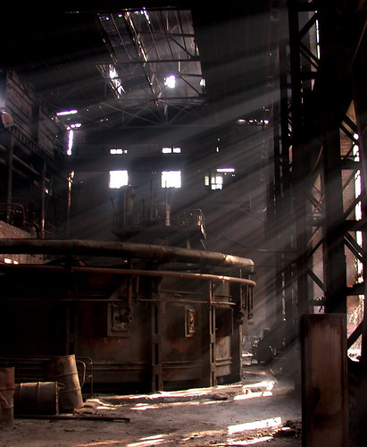 abandoned factory | by Sonya >> 搜你丫