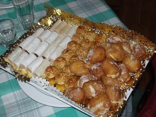 Huesos de Santo, panellets y buñuelos