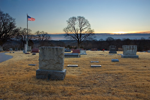 tree cemetery sunrise flag missouri top20cemetery neosho blendedexposure newtoncounty velvialevel7
