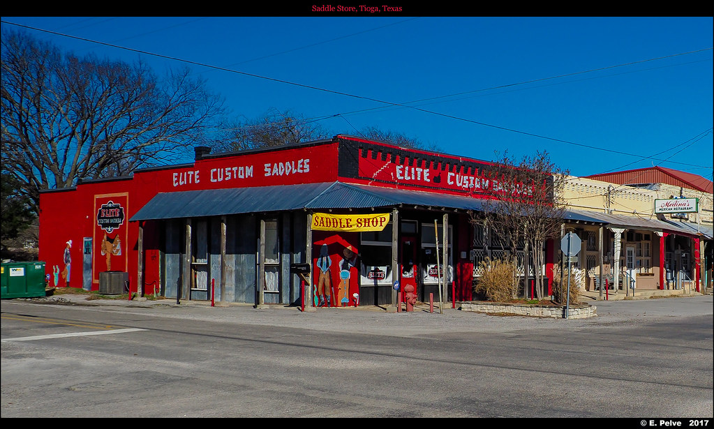 Saddle Store, Tioga, Texas | Olympus EM1 MKII with Olympus M