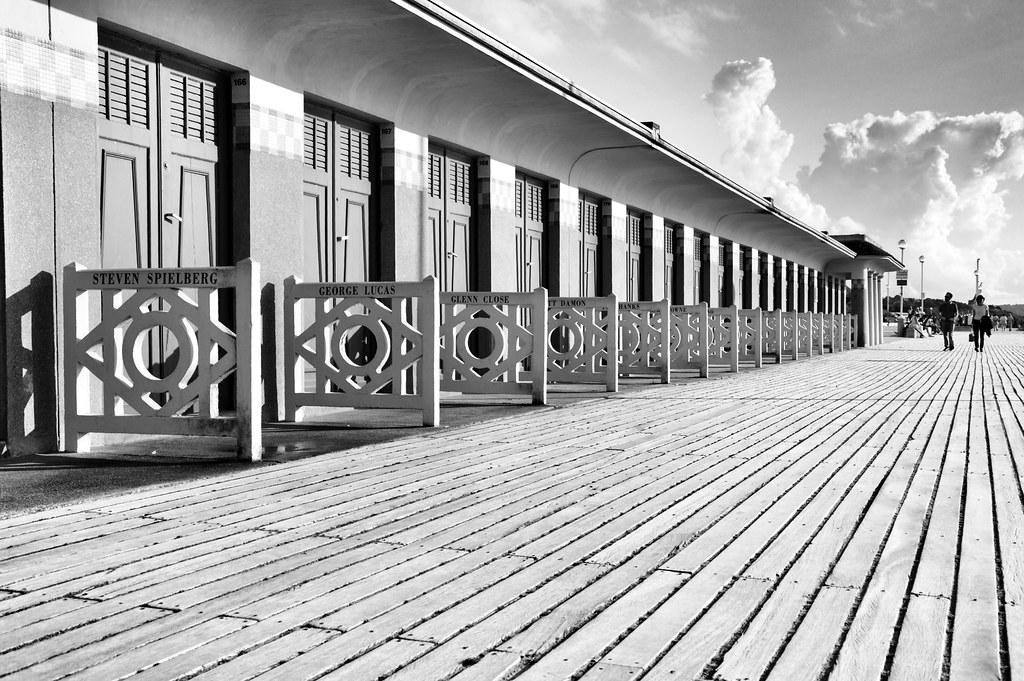 Les Planches - Deauville #deauville #blackandwhite #blackwhite #beach #noiretblanc