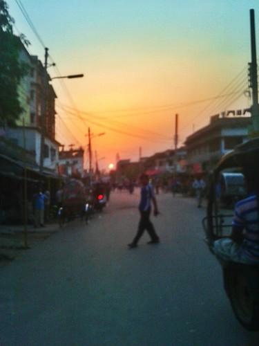 sunset blur rajshahi streetsunset flickrandroidapp:filter=none munafermor suninthestreet blursunset blursun