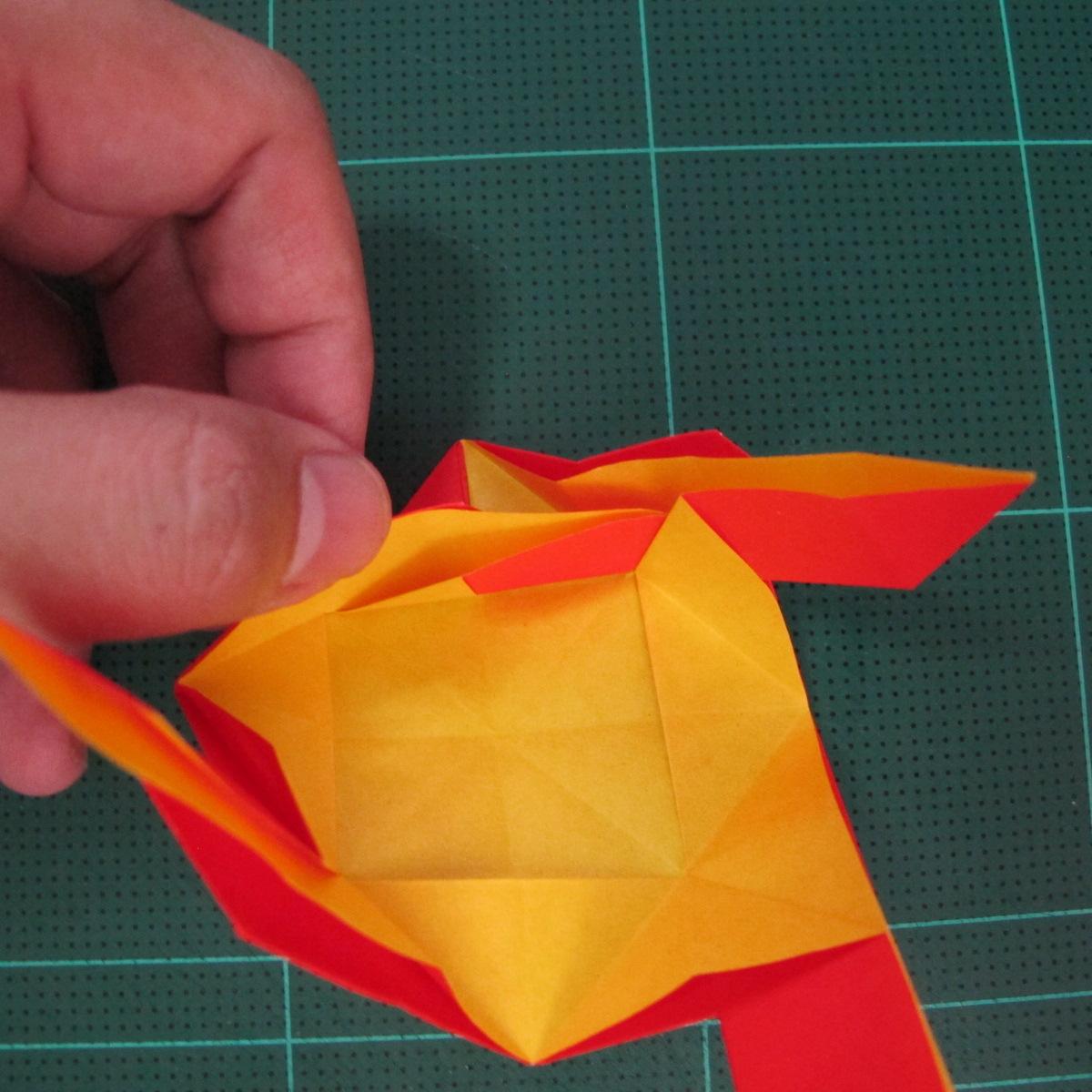 สอนวิธีพับกระดาษเป็นดอกกุหลาบ (แบบฐานกังหัน) (Origami Rose - Evi Binzinger) 016