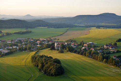 frühling elbsandsteingebirge papststein sandsteiner