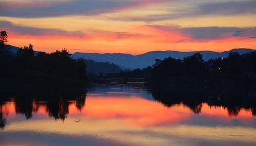 sunset mountains norway norge solnedgang vestlandet sunnmøre møreogromsdal sykkylven fetvatnet straumgjerde martinystenes fitjarvatnet