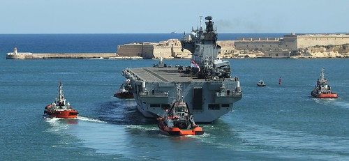 2017 03 12 HMS Ocean (L12) departing Grand Harbour, Malta IMG_9841 | by Chris's photostream