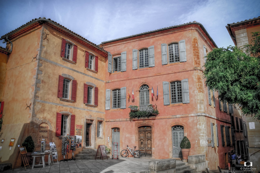 Mairie de Roussillon ( Provence- Alpes - Côte d'Azur )