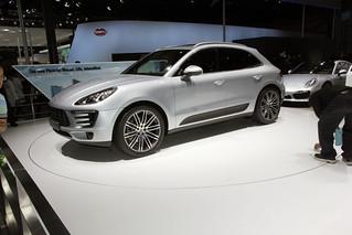 Porsche-SUV-Macan-@-Beijing-Auto-201405