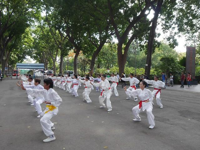 木, 2014-05-15 19:27 - ベトナム歴史博物館前