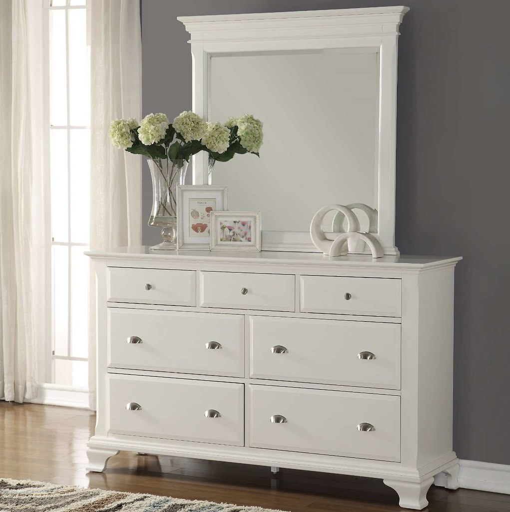 White Bedroom Dressers | A dresser for your bedroom is alway ...