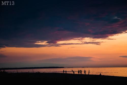 sunset summer people ontario beach fun evening twilight matthew august lakehuron cartwheel weeee trevithick portfranks 2013 matthewtrevithick mtphotography