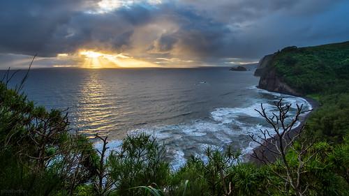sunrise hawaii bigisland pololuvalley canon7d ©shabdrophoto