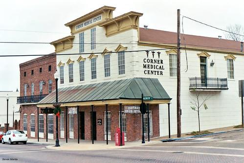 cityscape downtown architecture commercialbuilding traditionalarchitecture drugstore clinic vicksburg mississippi