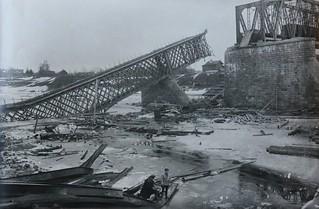Bridge near Jambourg, on the river Luga [1919]
