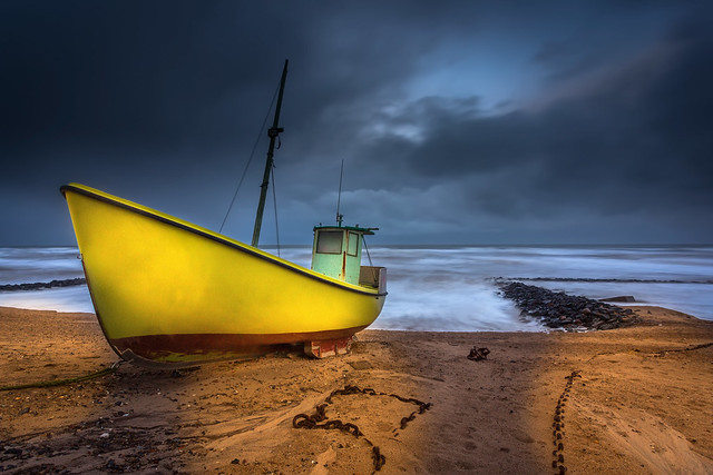 Fishingboat in the storm