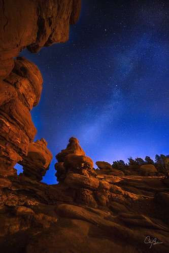 sunset summer night stars evening gardenofthegods coloradosprings redrocks nightsky siamesetwins autofocus goldcollection elitephotography