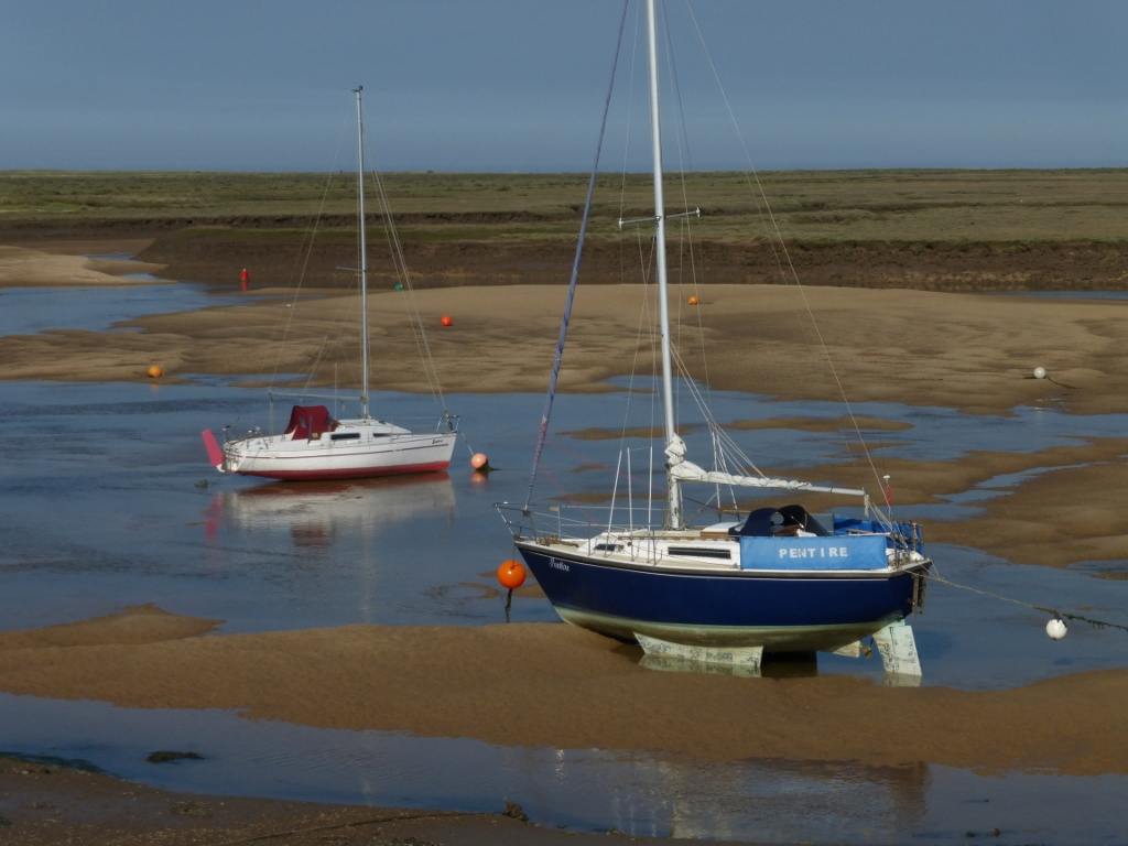 33 The channel to the sea at low tide, Wells