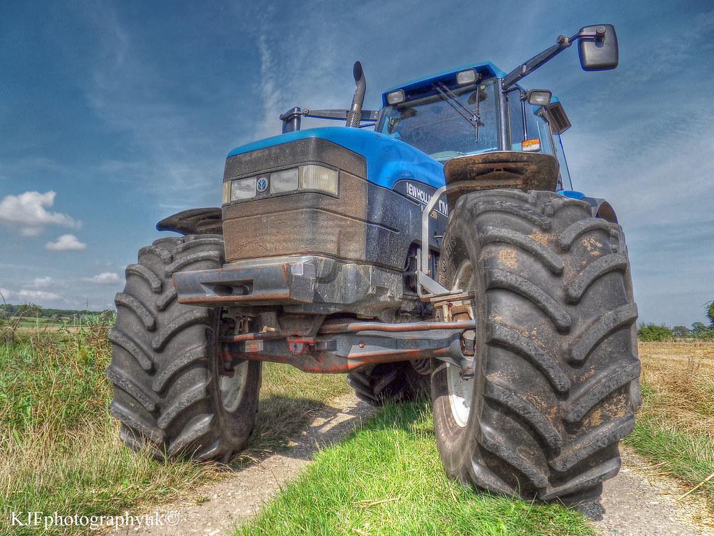 New Holland TM150 Tractor, Hamstreet, Kent | Samsung WB500 | Dev
