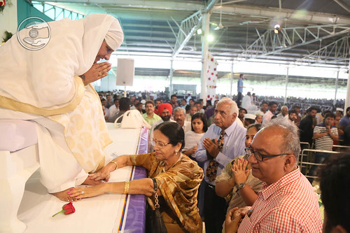 Dignitaries seeking blessings