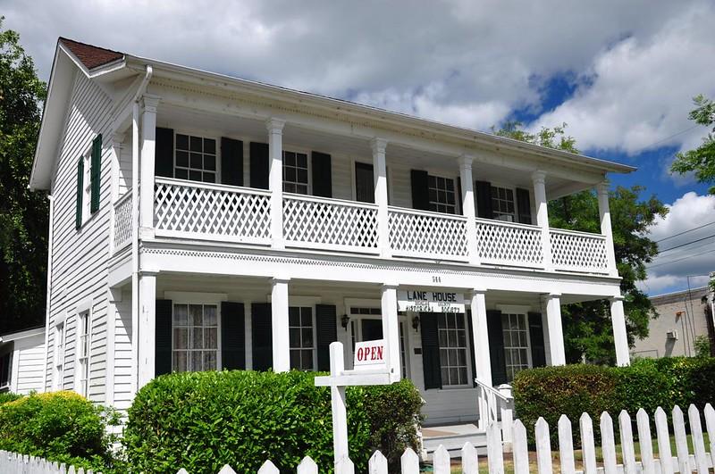 Floed-Lane House