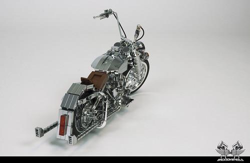 Harley Davidson Softail Heritage Custom, in Lego 1:10