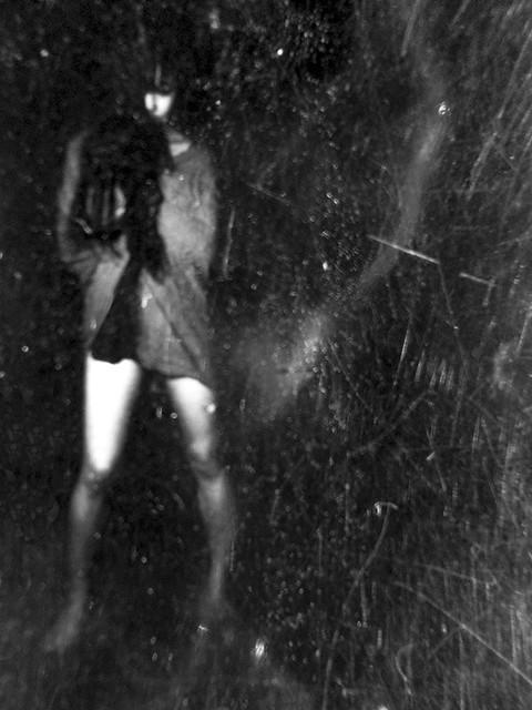 night trouble / la nuit remue