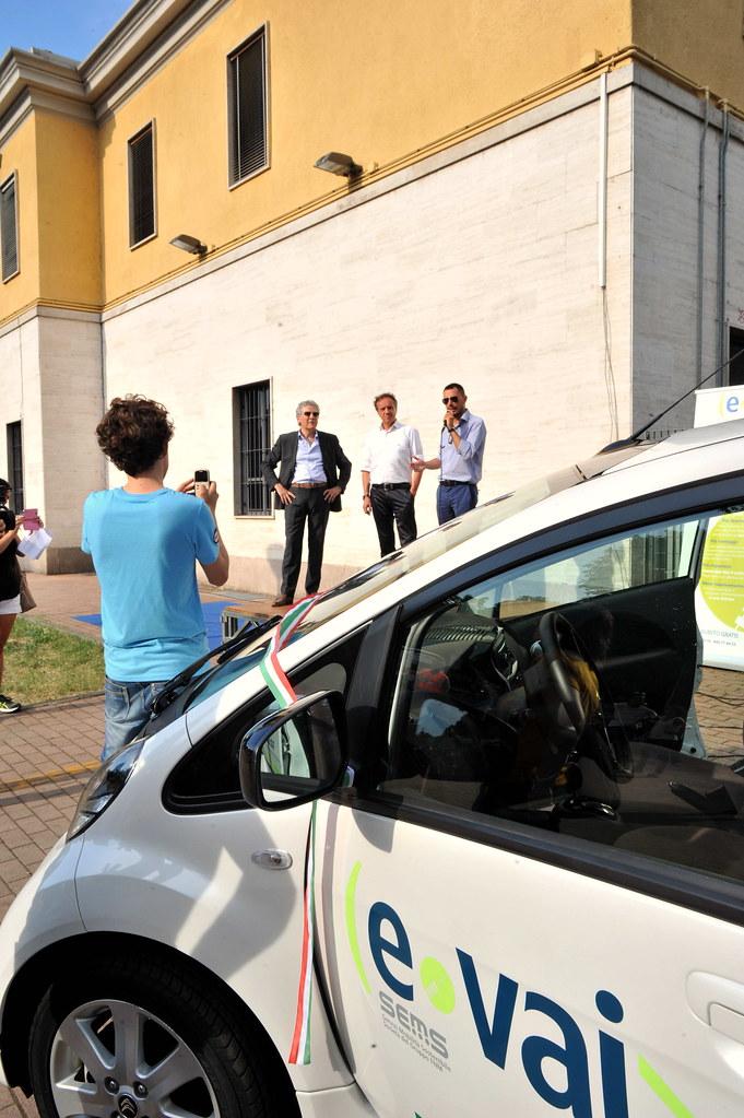 INAUGURAZIONE DEL CAR SHARING ECOLOGICO <<E-VAI>> 12 GIUGNO 2014  Foto A. Artusa