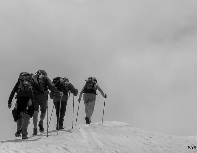 Subiendo al pico.Ruta Estanque de Gerber y Pico Bassiero