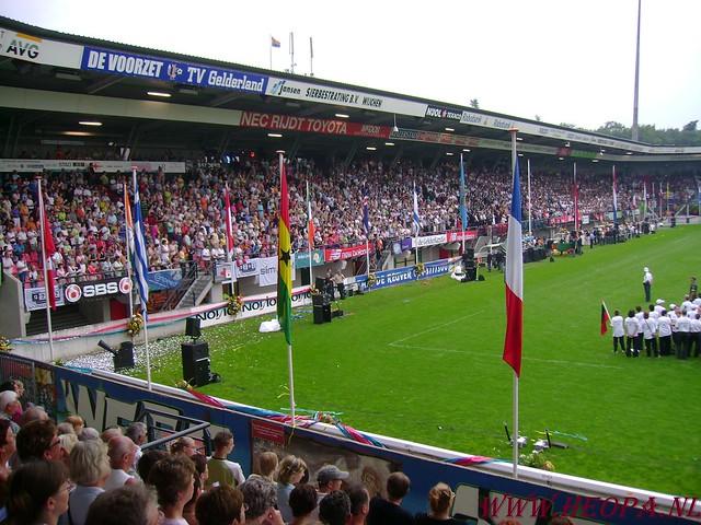 2007-07-16 Startbewijs op halen en vlaggen parade. (92)