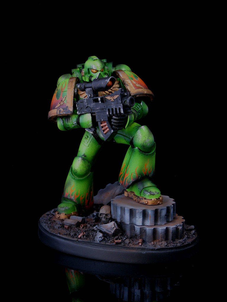 Large Scale Space Marine Statue   Salamanders Chapter   Tom Markham