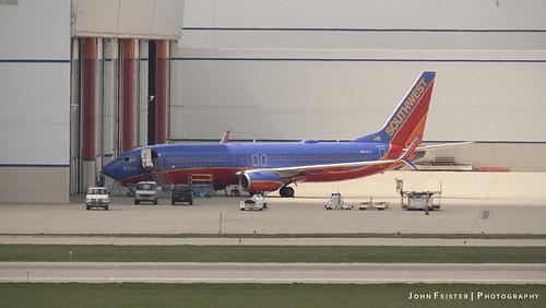 Southwest N8301J with scimitar winglets