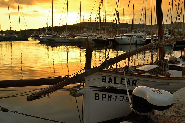 ALBA DE ORO EN TUS OJOS…, SABOR A MAR.    ALBA GOLDEN IN YOUR EYES ... TASTE OF THE SEA.