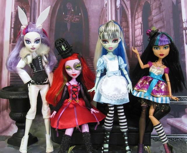 Monster High Wonderland