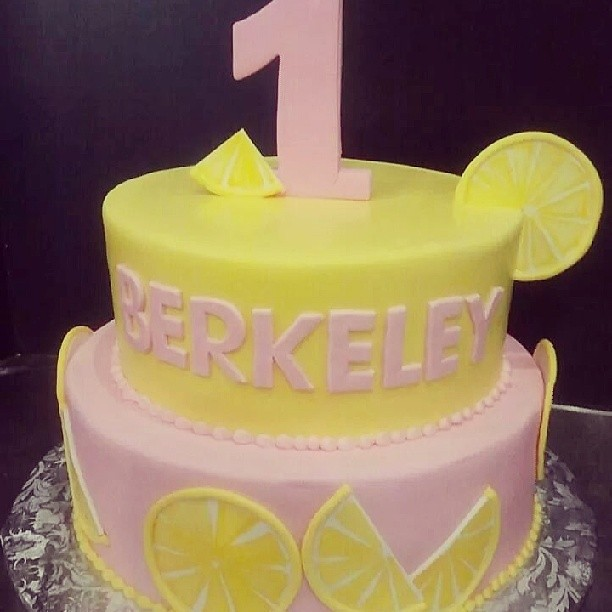Marvelous Berkeleys Sweet Pink Lemonade Birthday Cake Jan Lewandowski Funny Birthday Cards Online Drosicarndamsfinfo