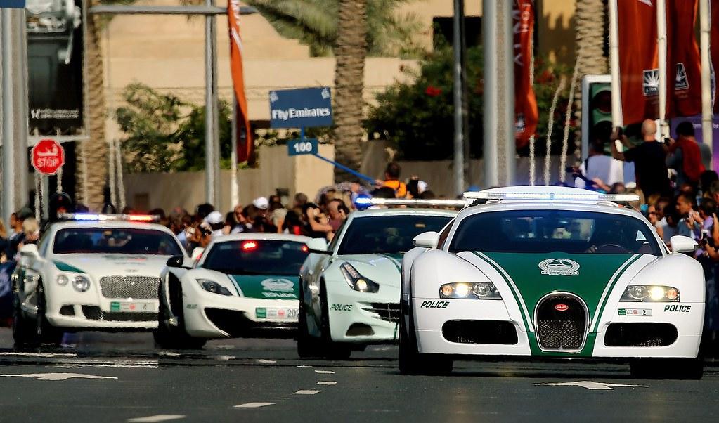 UAE-DUBAI-POLICE-CARS-BUGATTI | A Dubai police Bugatti leads