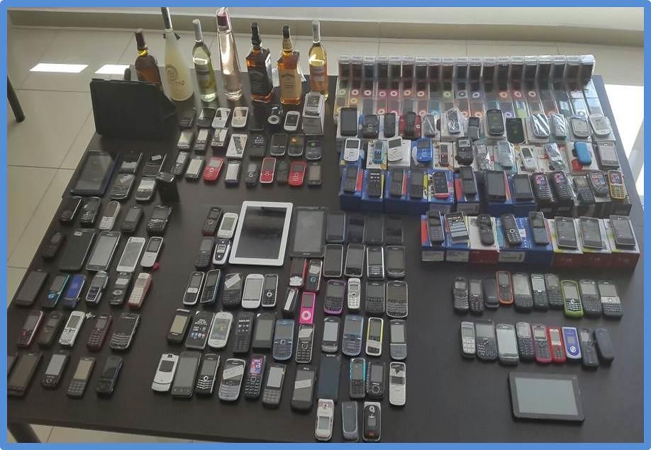 4a97198c7eb ... 172 teléfonos celulares, 209 mp4 nuevos, seis tablets, una filmadora y  una caja